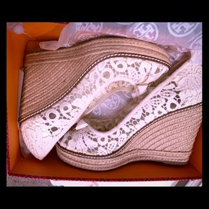 Tory Burch espadrille wedge in lace